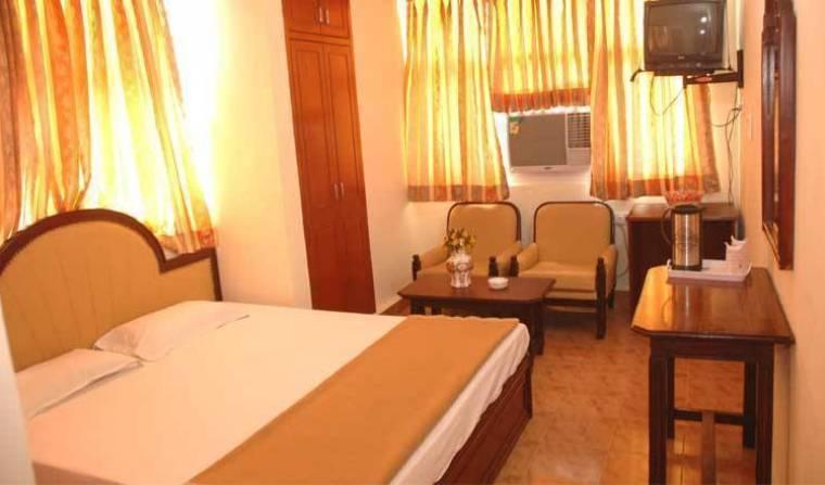 Hotel Harjas Palace -  New Delhi 10 photos